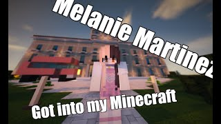 K-12 School in a Game? Don't push the Button! Melanie Invaded my Minecraft :v