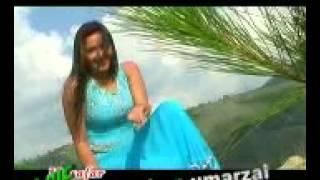 Пакистанский девочка поет песни!
