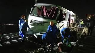 ДТП с поездом: Спасатели приступили к разбору автобуса
