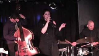 Jane Monheit - A Shine On Your Shoes - Live in Berlin (2/6)