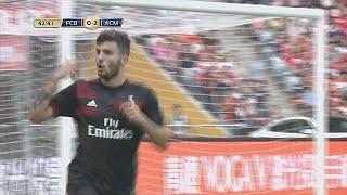 André Silva celebra estreia pelo AC Milan com goleada a Renato Sanches