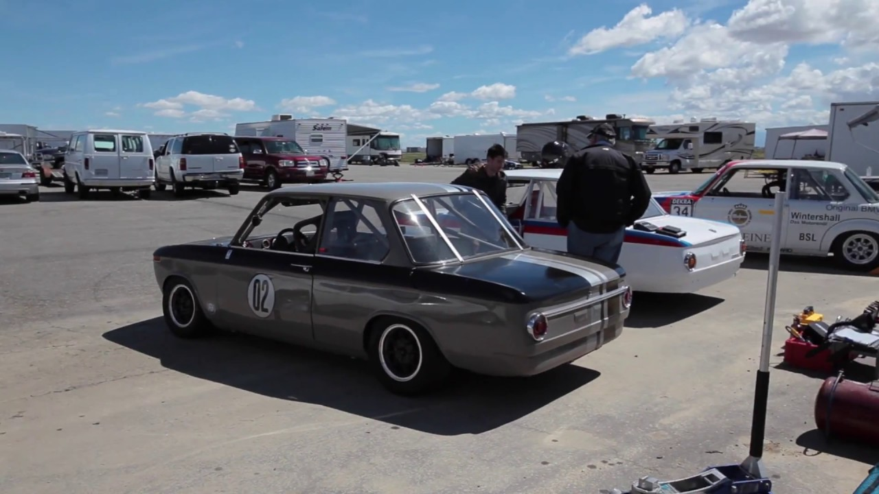 BMW 2002 vintage racing with VARA at Willow Springs - March 2017 ...