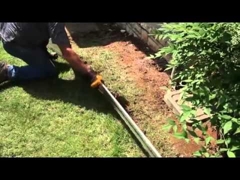 Come realizzare un 39 aiuola in ciottoli con bordura in alluminio alubord youtube - Sassi da giardino gratis ...