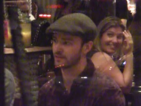 Justin Timberlake With Friends At Restaurant