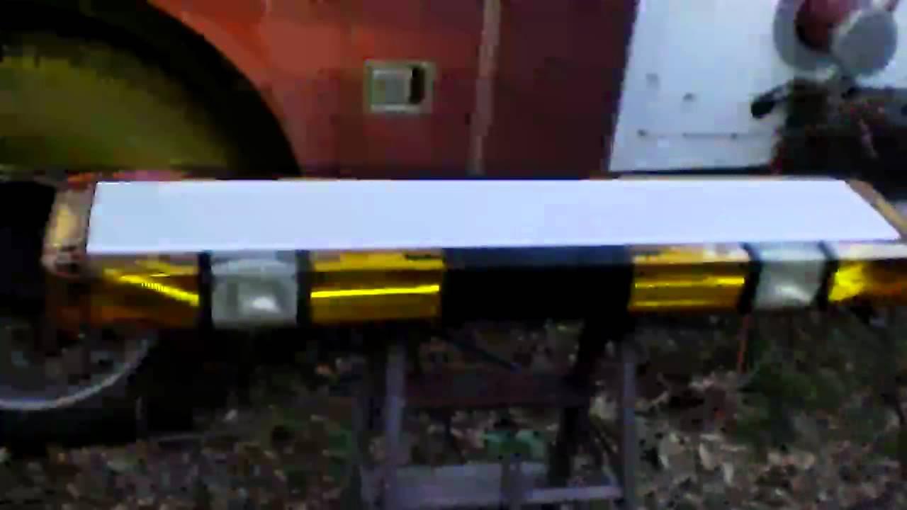 Whelen Edge 9000 8 Strobe Light Bar - YouTube