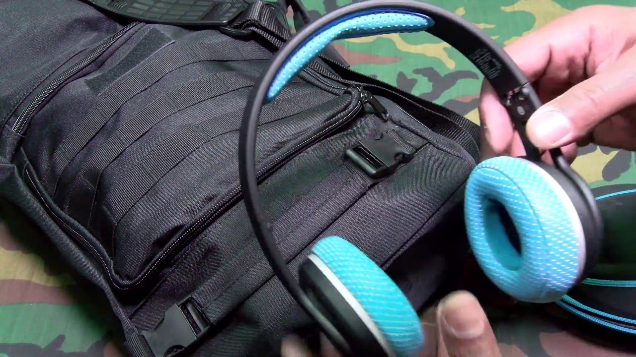 8682b897b310 What s In My Gym Bag - YouTube