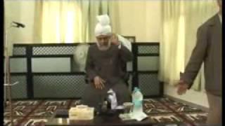Ahmadiyya: Huzoor at Ernakulam Kerala, India 2008 (1/6)