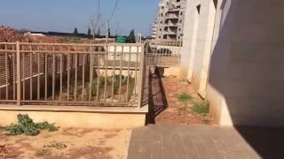 דירת גן להשכרה ברעננה נווה זמר, 5 חד', איצקוביץ נכסים - 0522236767