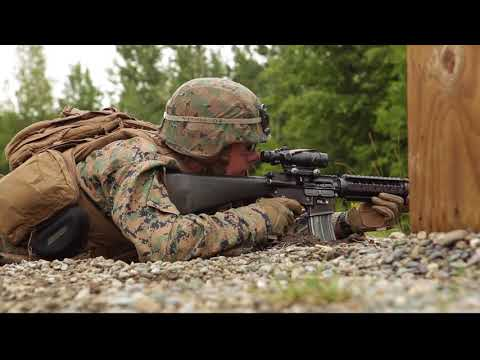 4th Marine Division Super Squad Competitors Tackle the Unknown Distance Range