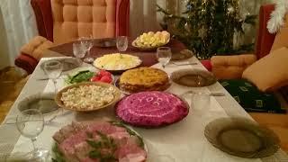 Мощная Хлопушка чуть не свалила Новогоднюю ёлку //Праздничный ужин//