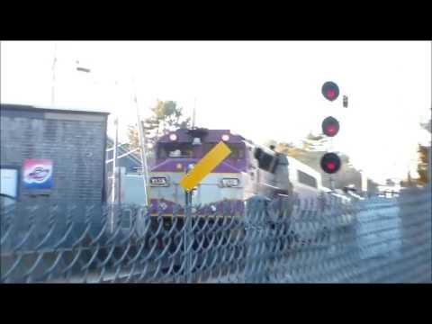 MBTA Commuter Rail Inbound to Boston Crosses Kingston Center