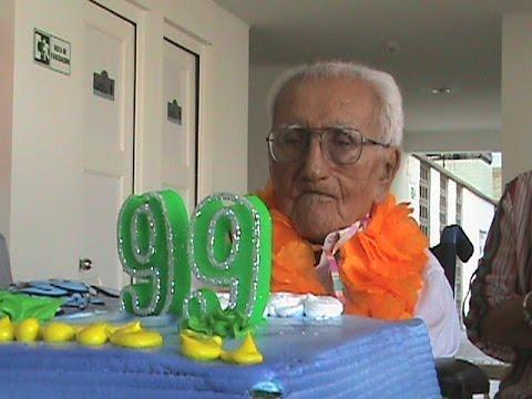 Celebración cumpleaños abuelo