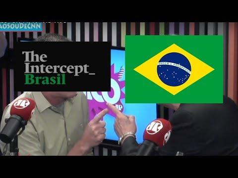 Un comentarista golpea ao xornalista Glenn Greenwald nun programa de radio en Brasil