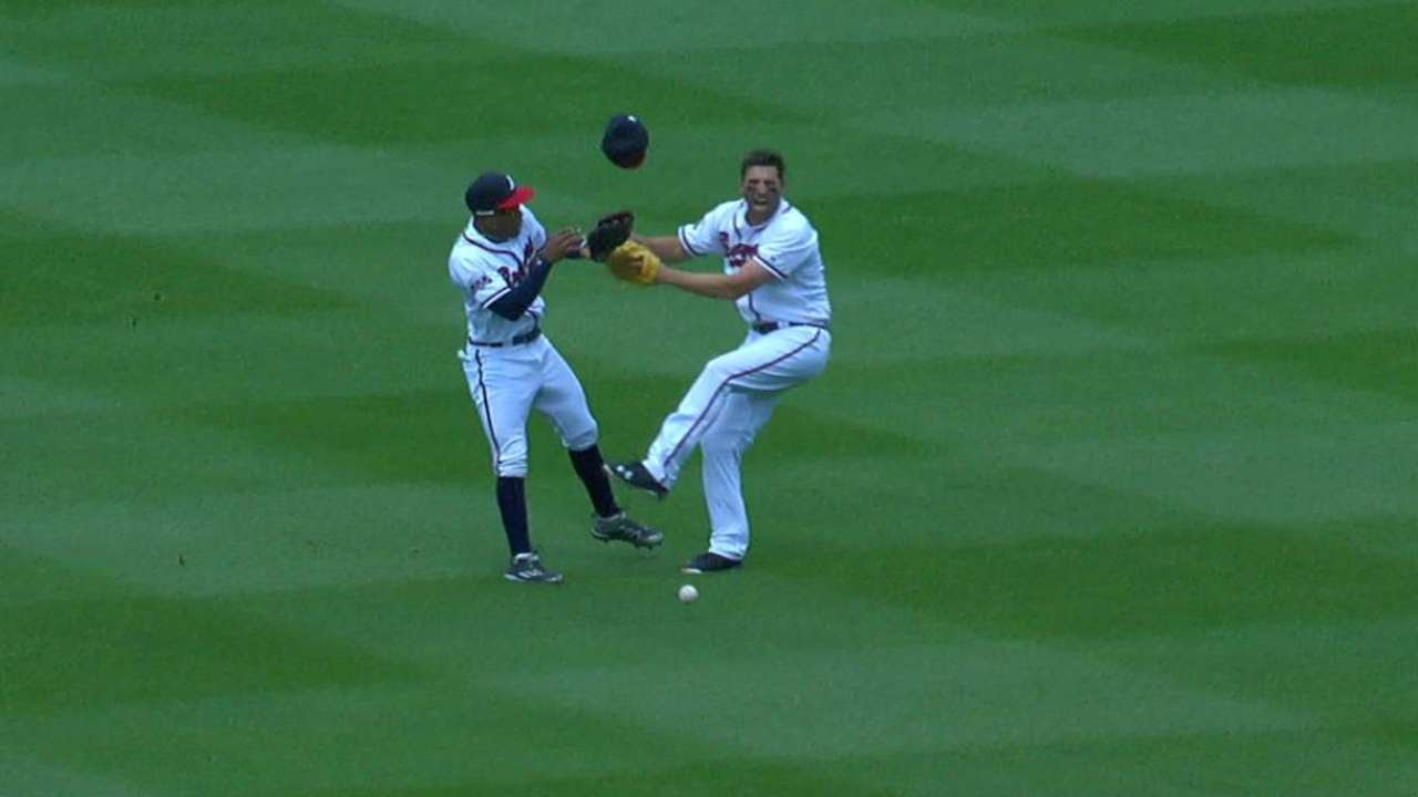 LAD@ATL: Francoeur and Mallex collide in the outfield ...