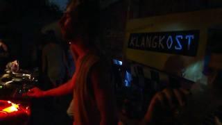 Kotelett & Zadak im Sandkaten, Klangkost