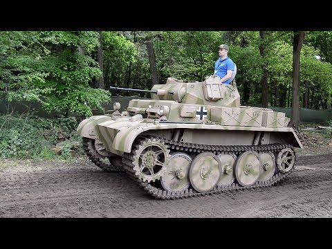 Panzer II Luchs start up and drive - Militracks 2017