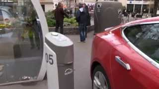 Charging Tesla on Autolib in Paris