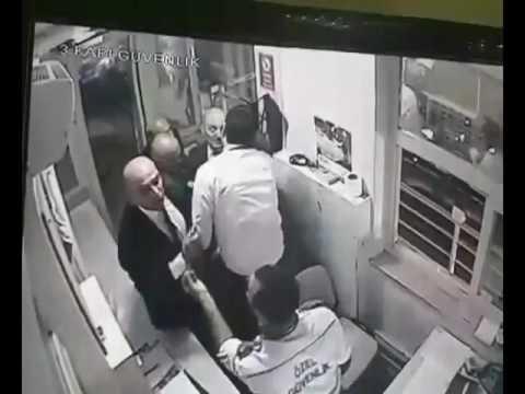 Eski Bakan Erdoğan Bayraktar'dan güvenlik görevlisine dayak