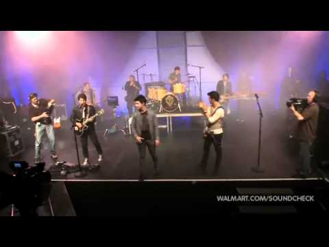 Jonas Brothers -  Burnin' Up (2010 Walmart...