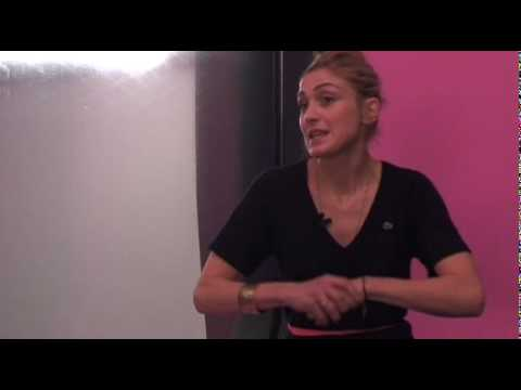 FAMILLE DECOMPOSEE, Julie GAYET est Doris - interview