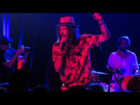 boom boom boom by cisco adler (live at the Roxy)
