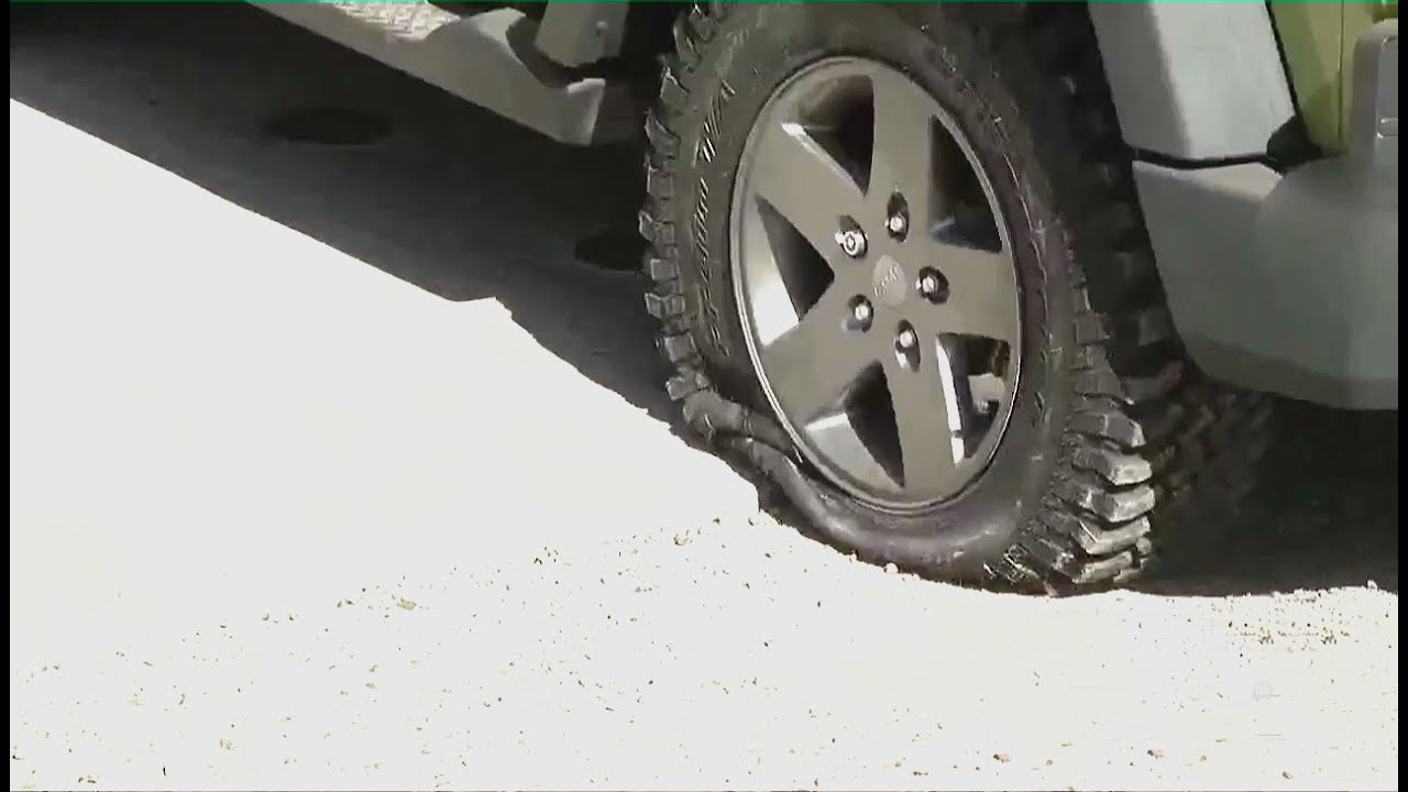 2016 Jeep Truck >> Jeep Driving on flat tires - YouTube