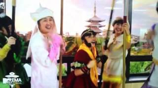 日本が誇るアイドル!! ももいろクローバーZがノミネート 5人のパフォ...