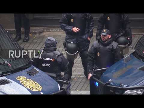 Spain: Pro-independence protesters demand release of detained Catalan leaders in Barcelona
