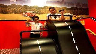 ÇILGIN ARABA YARIŞLARI !! Sado'nun Eğlenceli Legoland Gezisi