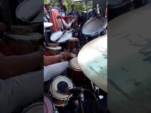 Si tangan sakti Cak Nophie Gendang Om.Adella cek sound Live Sembung Parengan Tuban 28 Februari 2017