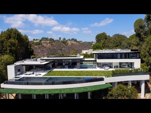 864 Stradella Rd. Los Angeles, CA 90077
