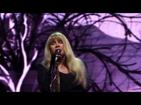 16. Stevie Nicks - Edge of Seventeen [Partial] (08.11.2017)