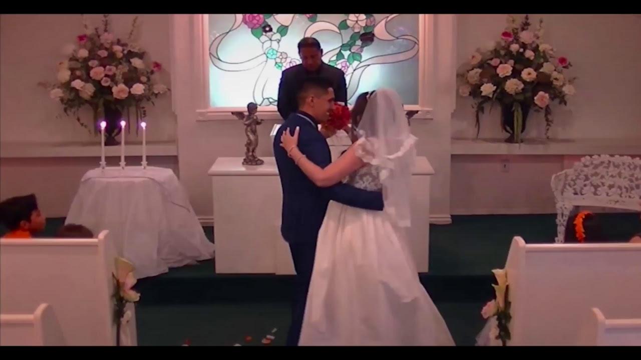 Las Vegas Cupids Wedding Chapel Live Stream Https Youtu Be D5pia Jngo8 Chapel Wedding Las Vegas Weddings Wedding Couples