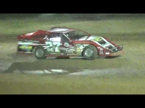 27L winning at Monett Speedway 5/7