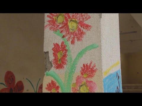 معلمة تحول خيال الأطفال الى لوحات فنية في الموصل  - 19:22-2018 / 1 / 14