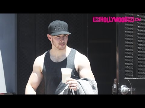 Nick Jonas Looks Ripped While Leaving The Gym After A Private Training Session 4.28.17