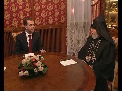 Медведев поддерживает свободу Карабаха