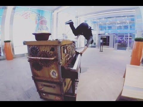 Stowaway Piano Player Harmony Of The Seas - Greg Evain