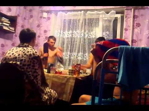 Пацанчик блюет видео