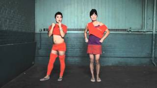 GAY PRISON DANCERS DO THE PAK YOW DANCE