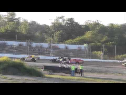 IMCA Modified Heat Race at BlackRock Speedway