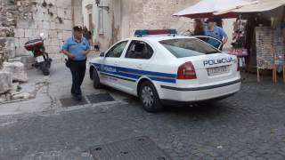 "Policajac novinaru Indexa: ""Ostavite se ludosti"""