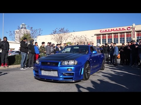 "Kids Chase After ""LEGAL"" NISSAN R34 SKYLINE GTR In Houston"