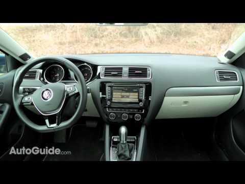 2015 Nissan Sentra vs 2015 Volkswagen Jetta