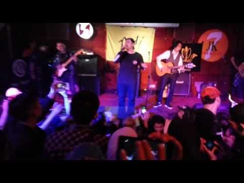 """PadI - Harmony """"MEDLEY"""" Kasih Tak Sampai (Live at JK7 Bar & Club - Arion Swiss Belhotel, Kemang)"""