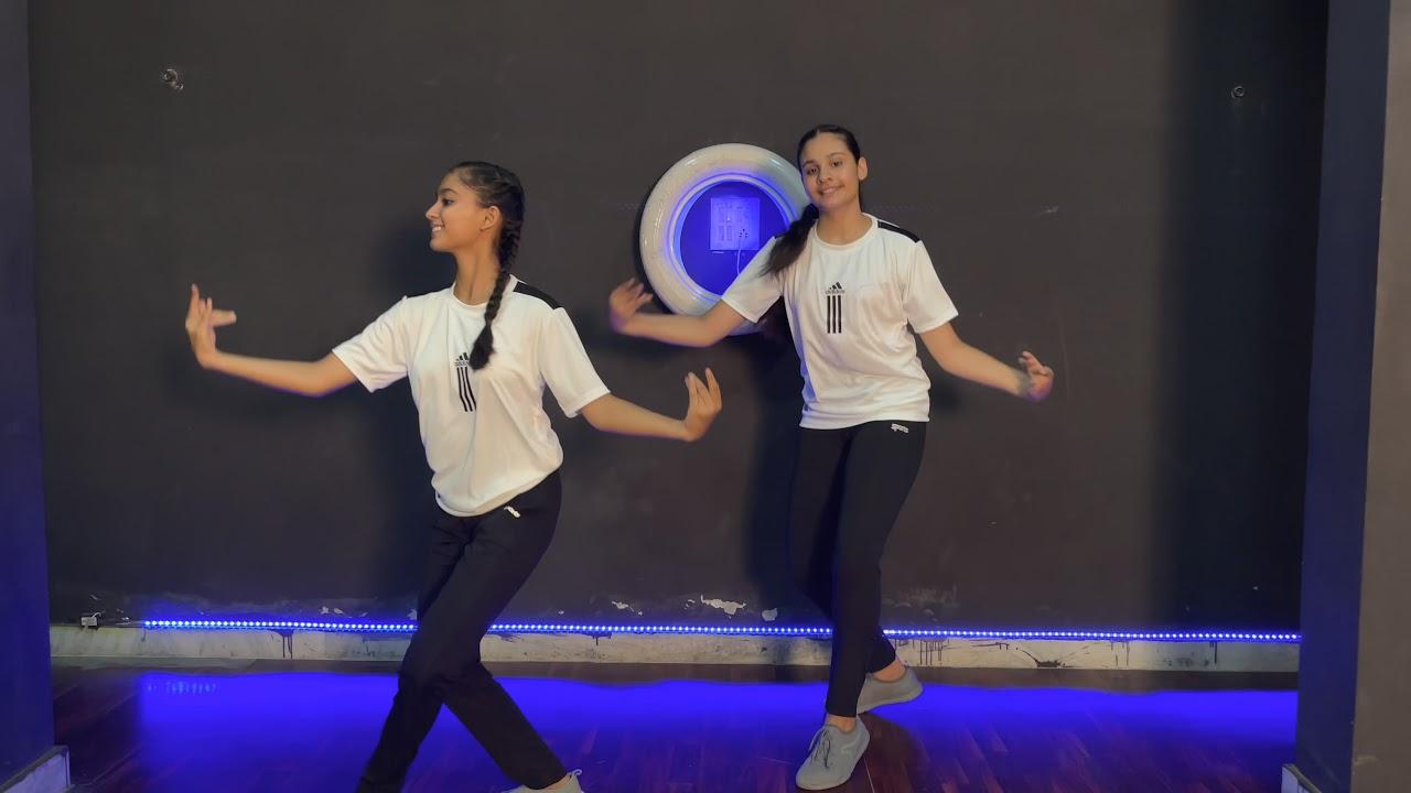 Download Bana ji | Rajasthani Dance Video | Aakanksha Sharma | Chitrali payak | Pari Sharma Choreography