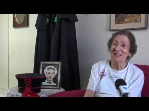 Dona Iracema: fazendo togas há mais de 20...