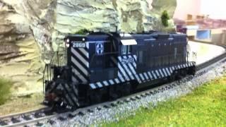 Athearn Genesis HO Scale GP7 DCC & Sound Santa Fe/Zebra