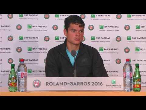 Albert Ramos-Vinolas upsets Milos Raonic at French Open