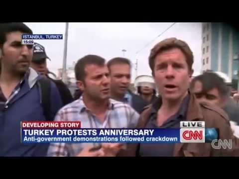 CNN International muhabirine canlı yayında gözaltı! Ivan Watson arrested by turkish police on air